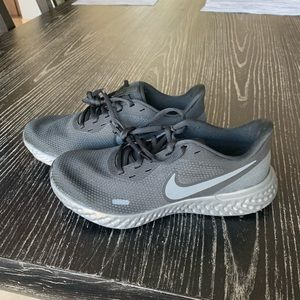 Nike Revolution 5 Running Shoes - BRAND NEW